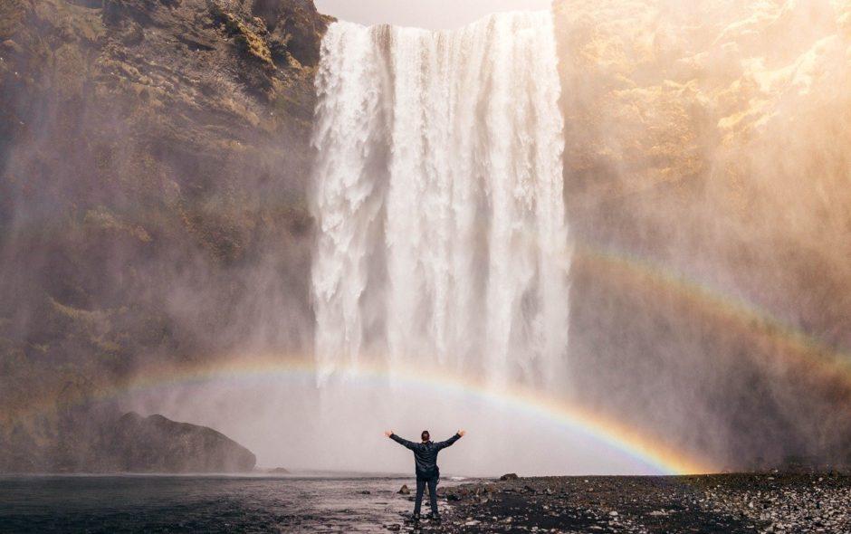 humanité Vivre aligné(e) pour sauver l'humanité? waterfall 828948 1280 940x590